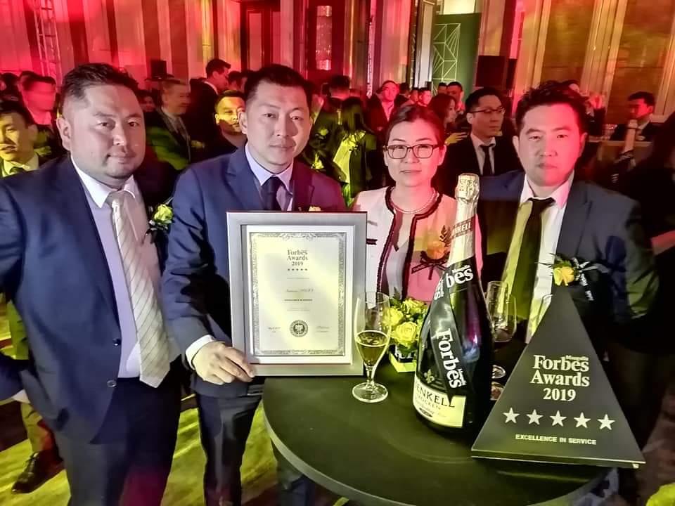 フォーブス-Service excellence賞を受賞画像2